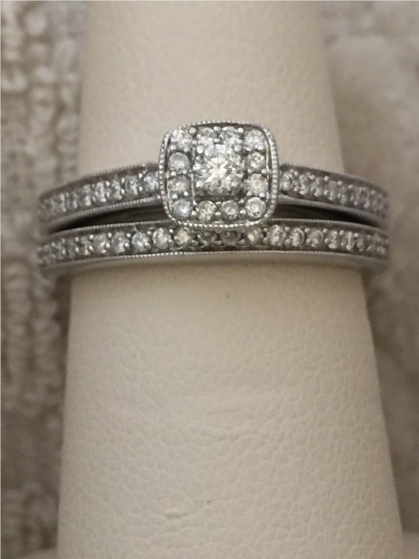 Engagement Ring - Lady's White 10 Karat Engagement Ring With 0.40Tw Round H/I Si3 Diamonds