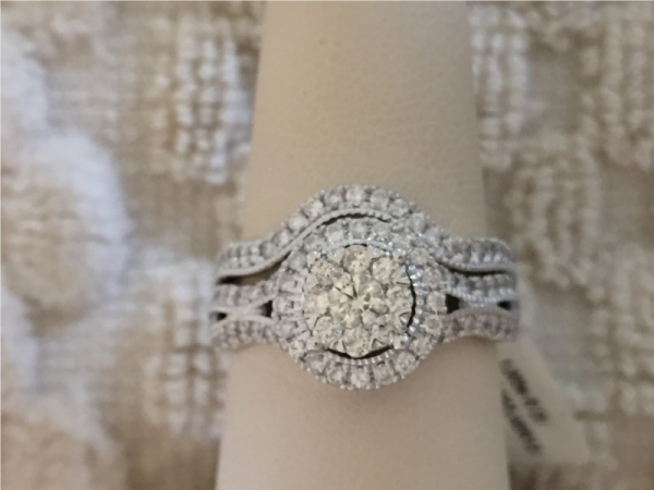 Engagement Ring - Lady's White 14 Karat Engagement Ring With 1.00Tw Round Diamonds