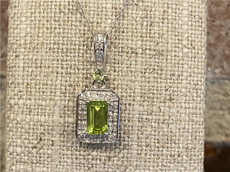 Necklace - Lady's White 14 Karat Necklace With 0.54Tw Emerald Peridots And 0.16Tw Round Diamonds
