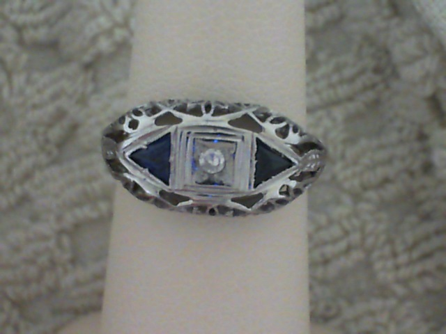 Estate Jewelry - Ladies sapphire and diamond ring