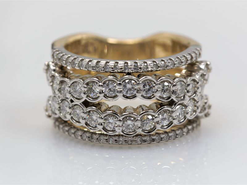 big wedding ring, diamond ring, expensive diamond weddingband