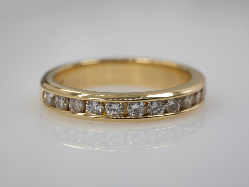 Diamond Rings in Gold and Platnium, Colorful Gemstone, Gold and Silver Rings. We Make Rings Custom on Site and can Help you D