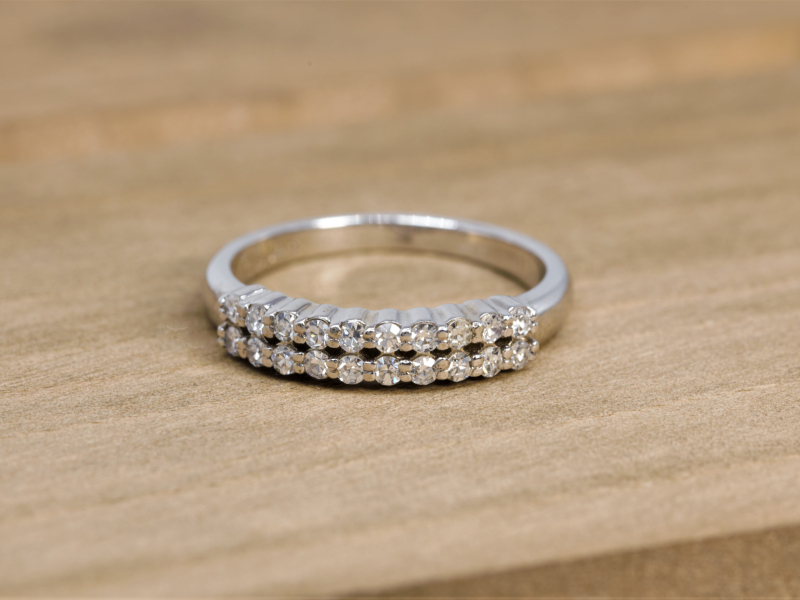 jewelry pictures, a bunch of round diamonds on a white gold wedding band, double row of diamonds