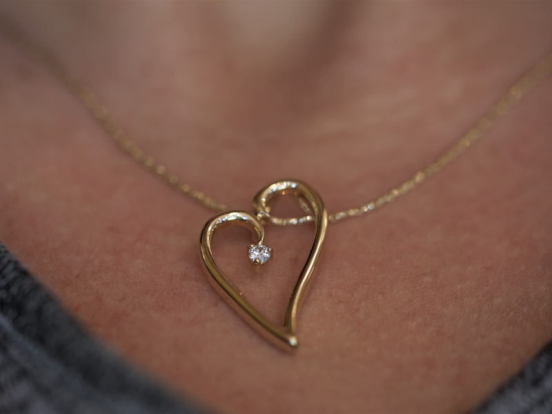 heart necklace for mom, for girlfriend, simple heart necklace with diamond