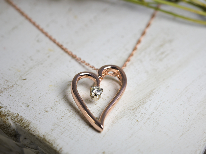 Pendants & Necklaces - Rose Gold Heart Pendant with Diamond - image 2