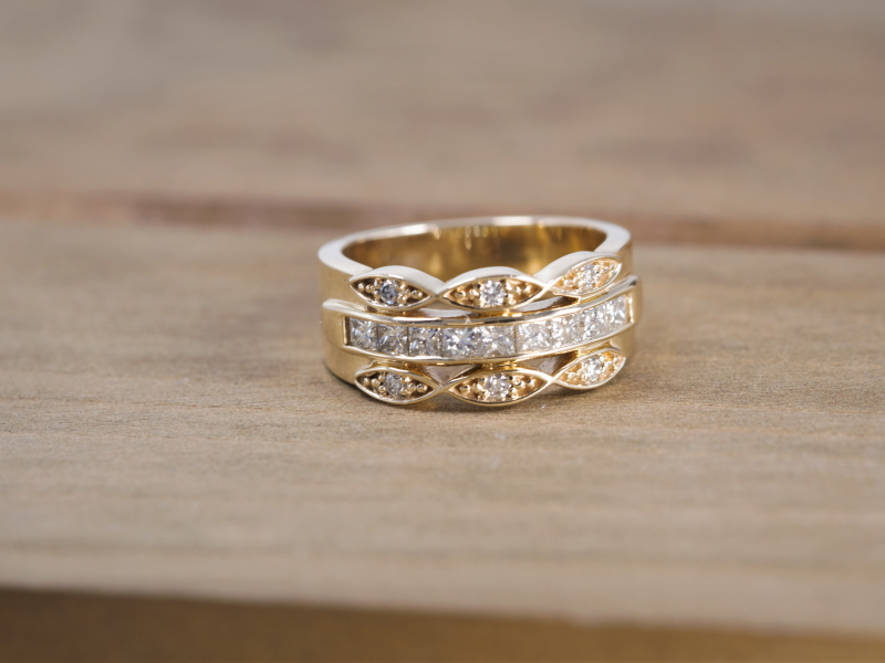 Rings - 3 Row Vintage Band with Middle Channel Set Yellow Gold - image 2