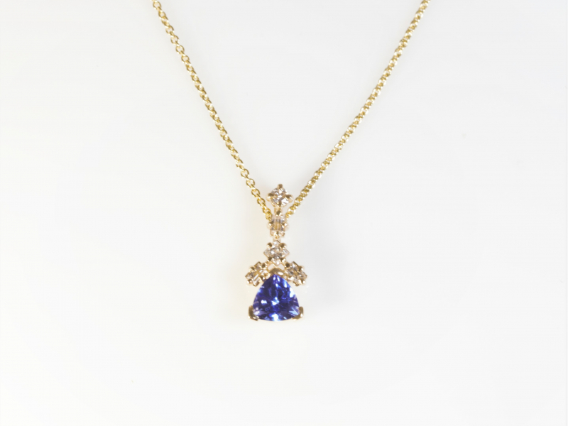 Les Olson Jewelers offers pendants, chains, and necklaces that can include diamonds, cubic zirconia, and gemstones set in gol