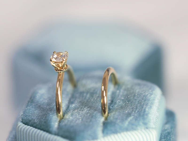 solitaire engagement ring and matching wedding band,