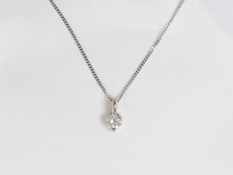 single diamond necklace, simple diamond necklace, white gold diamond necklace
