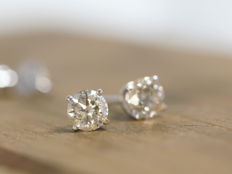 diamond earrings for men, diamond earrings for women, 1 carat diamond earrings