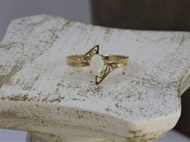 pretty opal ring, 14k gold opal ring