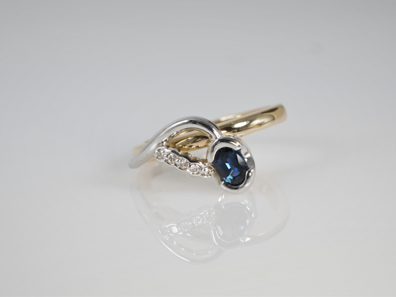 sapphire ring with twot oned gold, one of a kind sapphire ring, sapphire rings custom,  - Unique Sapphire Ring With Row of Di