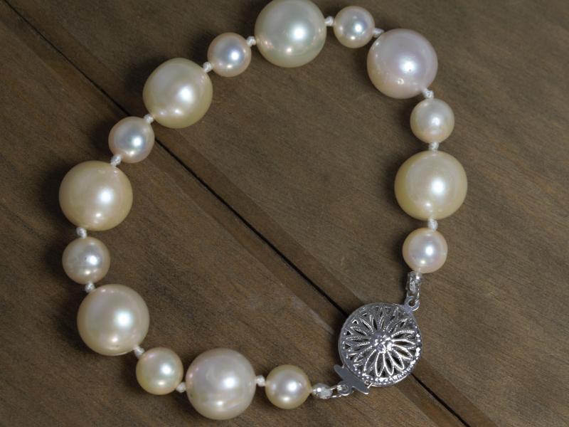 alternating sizes pearl bracelet, pearl jewelry, high quality pearl bracelet
