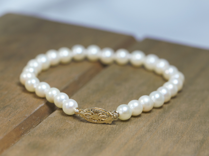 30th wedding anniversary gift ideas, anniversary pearl jewelry