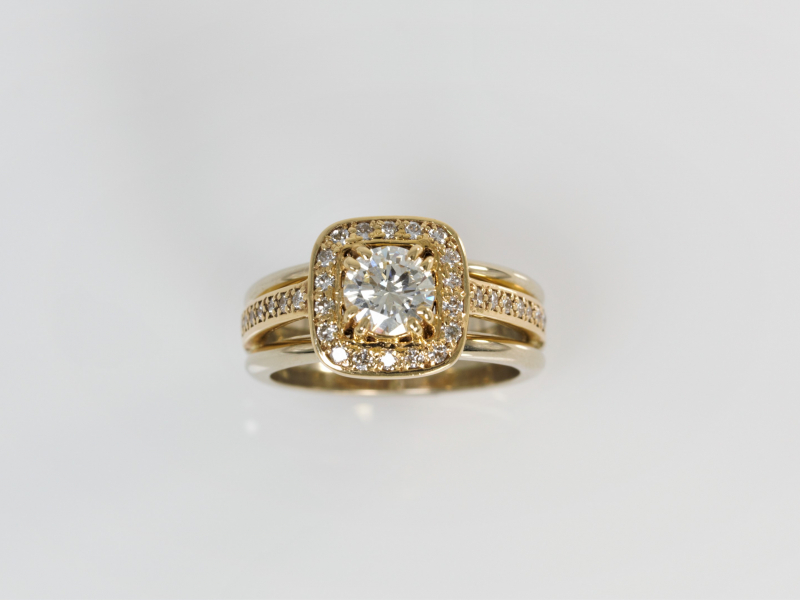 diamon and gold engagement ring, engagement ring, diamond ring Round Diamond Engagement Ring with a Square Halo