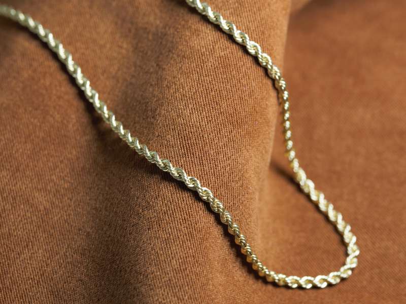 Our selection of the most durable and stylish gold chains for both men and women. Our collection features, curb, cable, figar