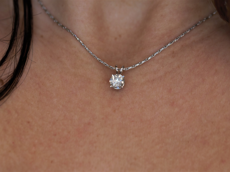 solitaire diamond neckalce, pendant, simple diamond necklace, single diamond necklace