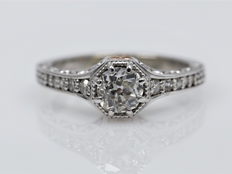 Les Olson Jewelers is a custom jeweler.  We create custom handmade jewelry including engagement rings, wedding bands, rings,
