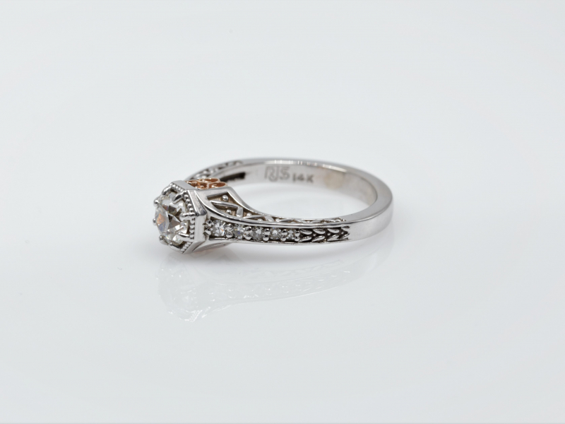 Diamond Engagement Ring, White Gold with a hint of Rose Gold