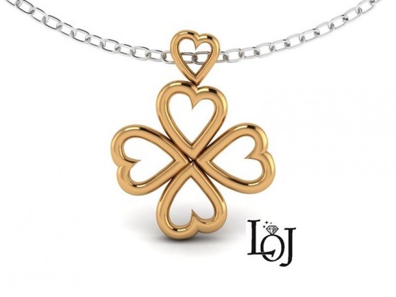 Yellow Gold Pendant with Hearts shaped into a 4 Leaf Clover