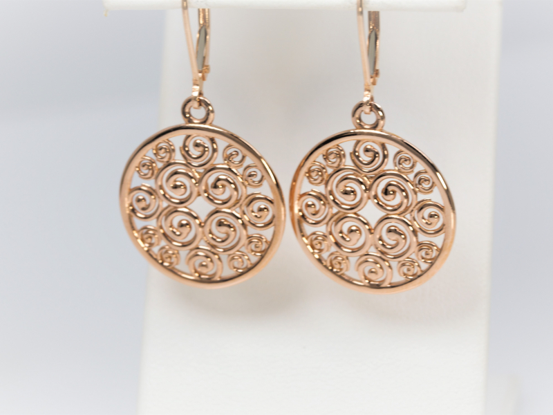 Hoop, stud, dangle, gemstone, silver, gold, diamond earrings are a few of the different types of earrings Les Olson Jewelers