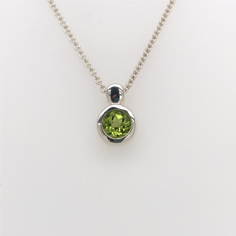 Pendant - Sterling Silver Drop Pendant With One Round Peridot